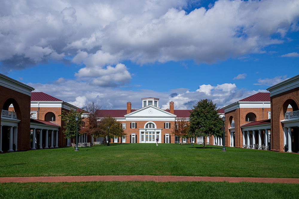 Saunders Hall and Flagler Court (Darden School of Business)